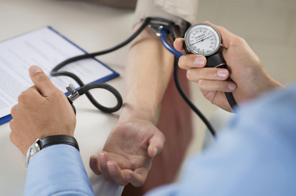preživjeli hipertenzija obasjava lice hipertenzije